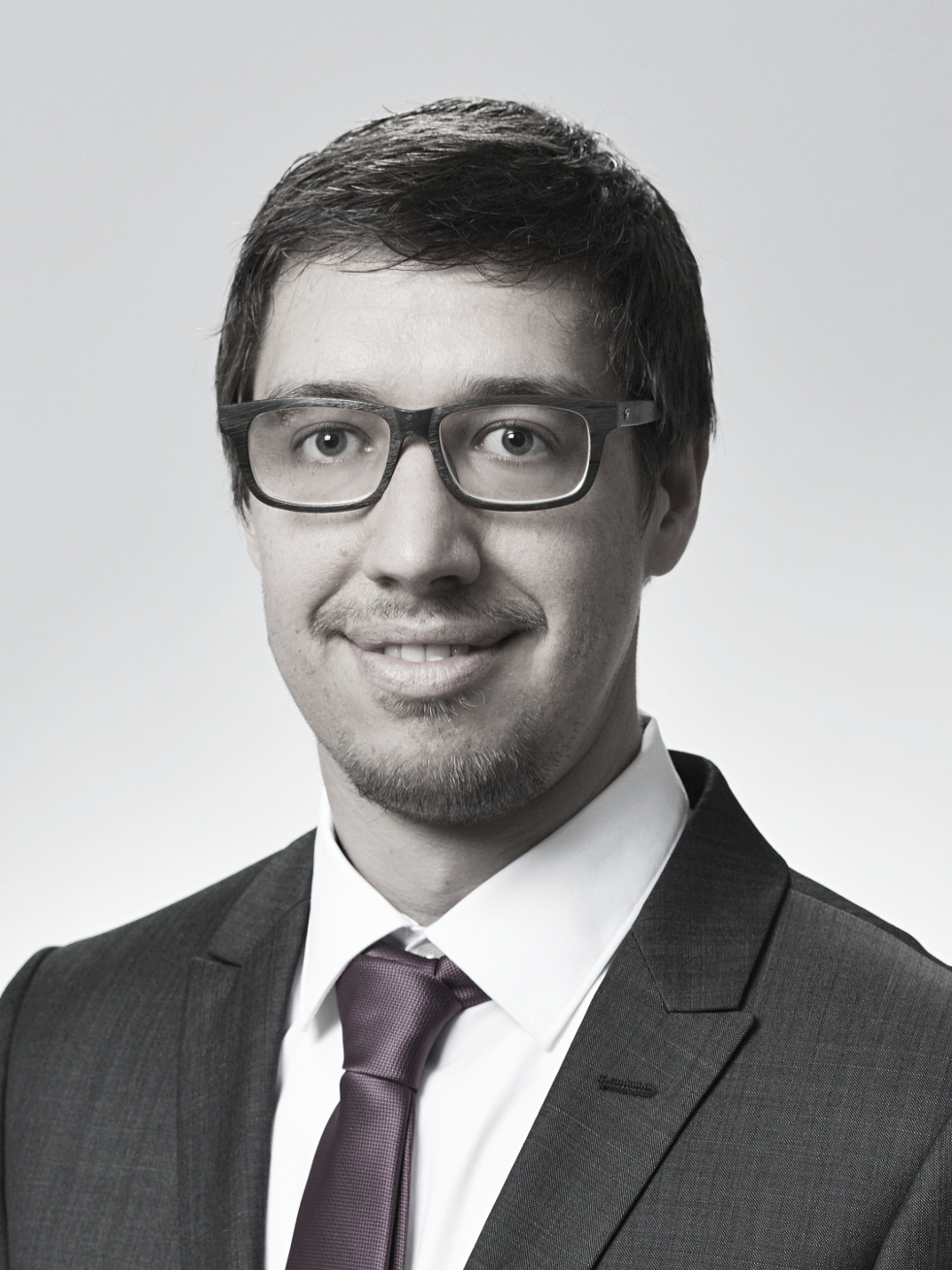 Dr. Andri Koch